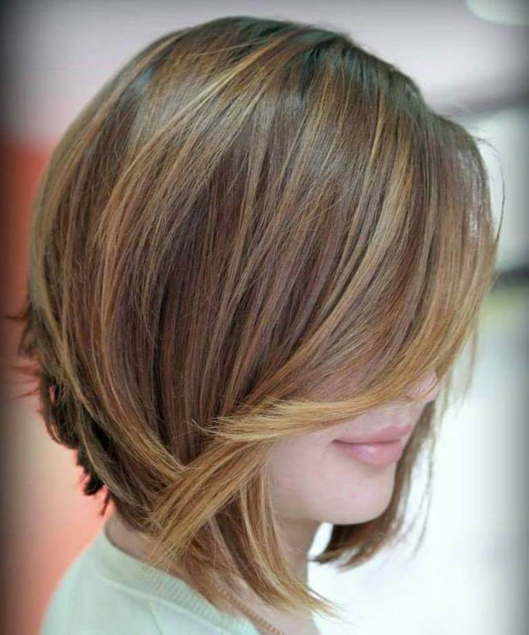 Inverted Bob with Swoopy Layers